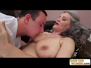 Deep penetration with good-looking and surprisingly flexible mature women